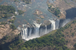 the-seven-natural-wonders-of-the-world-victoria-falls-zambia-and-zimbabwe-2